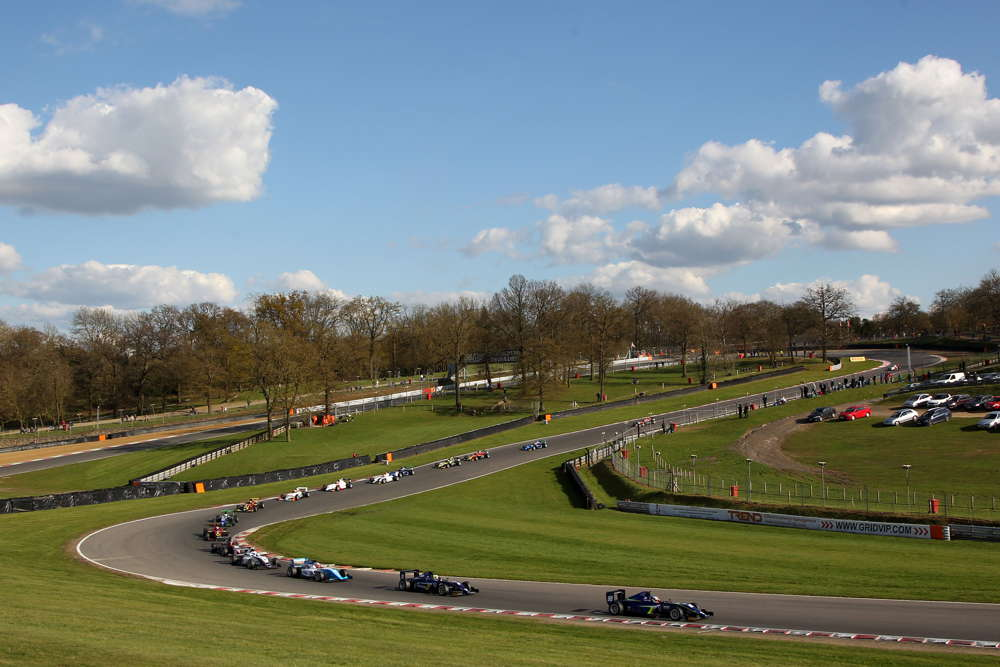 A large field of British F3 cars took to the Grand Prix circuit in Kent
