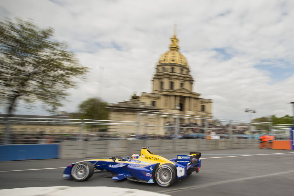 Buemi on track turning in to a corner
