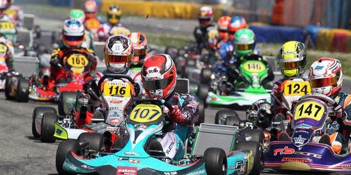 The start of one heat of KZ2 ACI karting