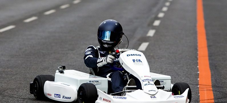 Electric kart makes debut, Formula E eyes support race