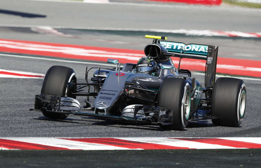 Bright start for the Silver Arrows in Barcelona