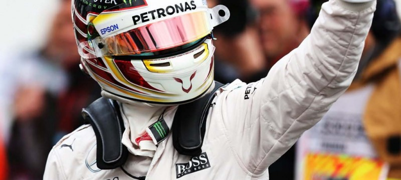 Hamilton on pole for the Australian 2016 F1 Grand Prix