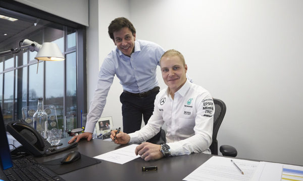 Bottas signing contract for transfer to Mercedes