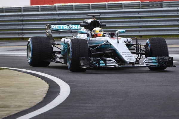 Hamilton on track with new w08 side