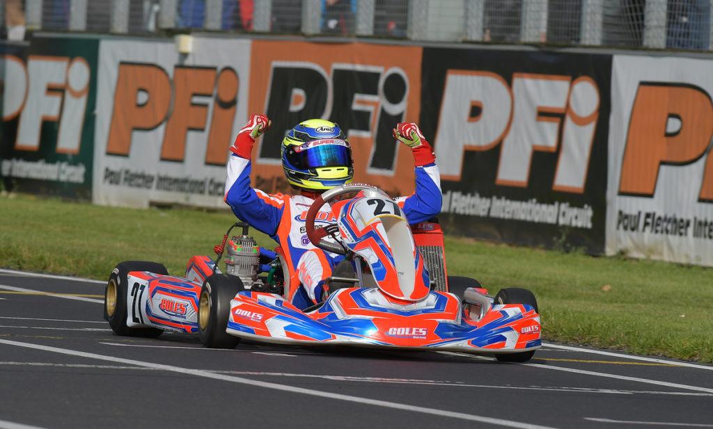 2 x MSA FIA Compliant Karting Numbers White//Black NUMBER 1 Karting Sticker