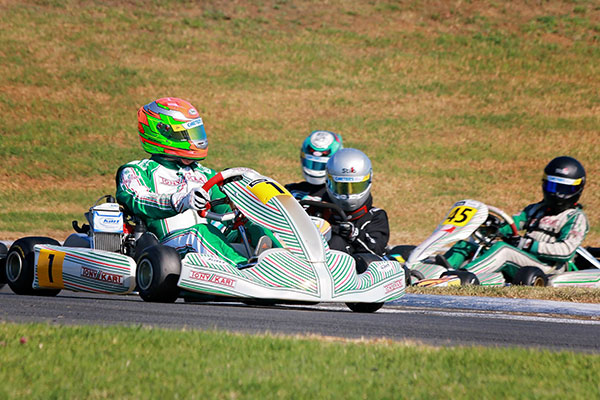 Lap Records Tumble at NZ Goldstar Round