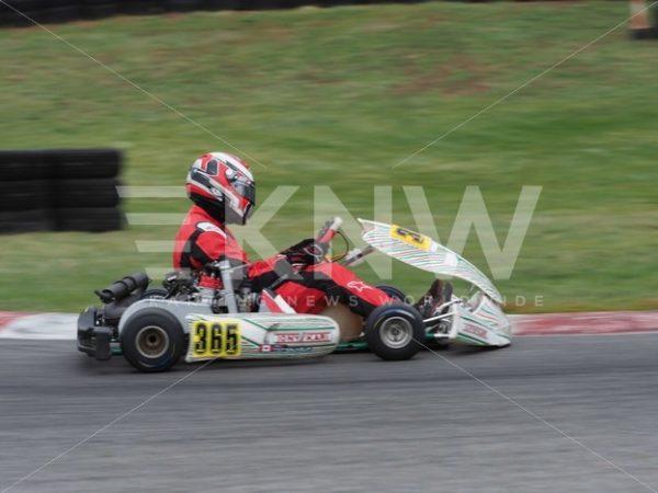 P9221414.jpg – KNW   KartingNewsWorldwide.com   Your latest racing news
